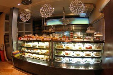 Báo giá tủ trưng bày bánh kem mini trên thị trường hiện nay
