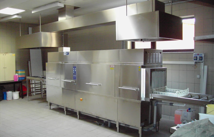 Máy rửa chén bát công nghiệp được khuyên dùng cho các nhà hàng