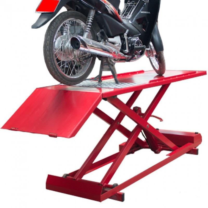 bàn nâng xe máy giá bao nhiêu