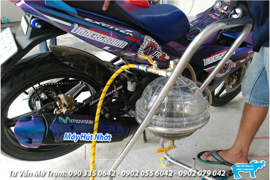 giá máy hút dầu nhớt xe máy