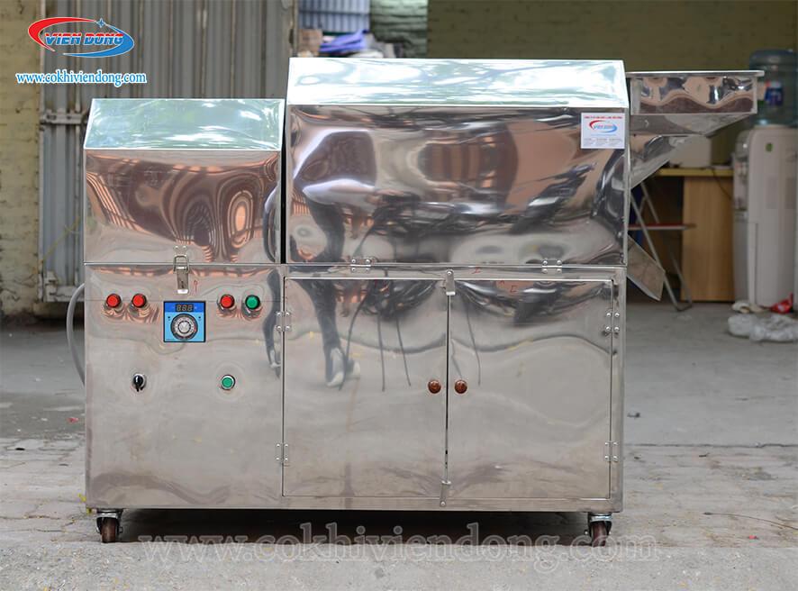 Bảng điều khiển được cố định trên thân máy rang hạt VDR 30