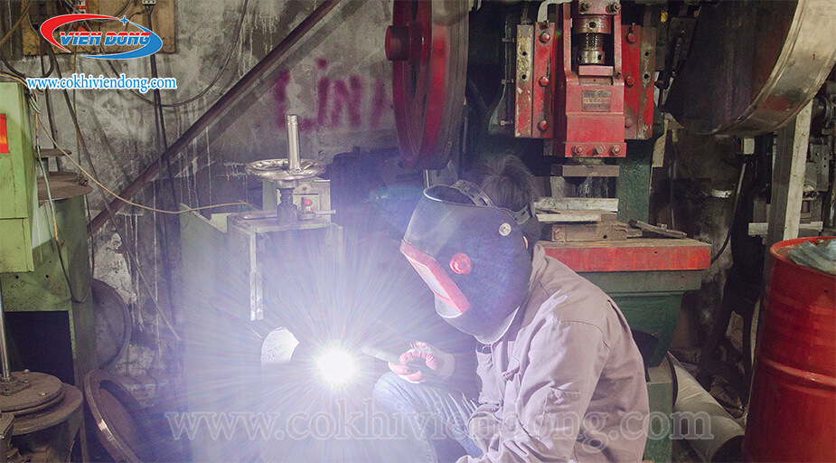 cơ sở sản xuất kệ inox công nghiệp