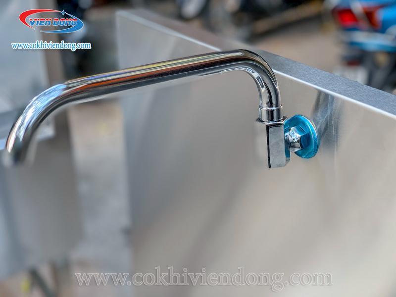 vòi cấp nước bếp hầm đôi