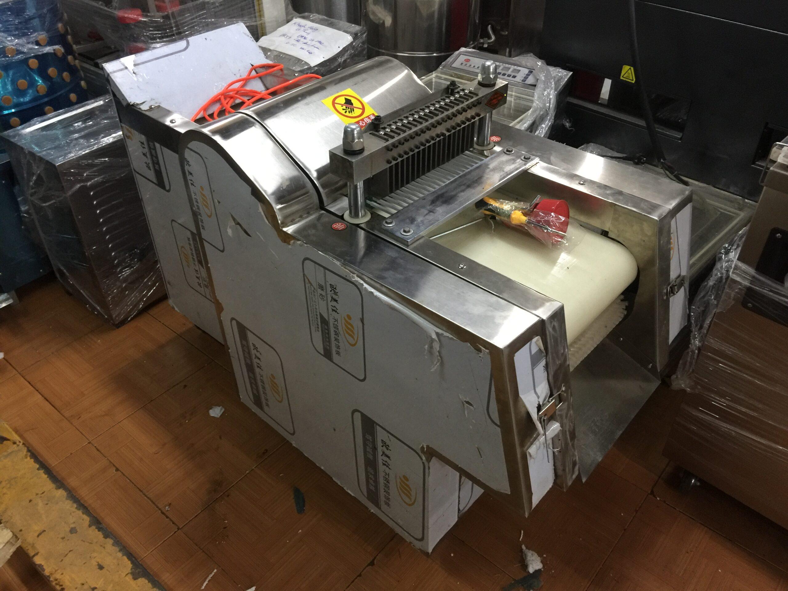 Cấu tạo chung 1 chiếc máy chặt thịt gà